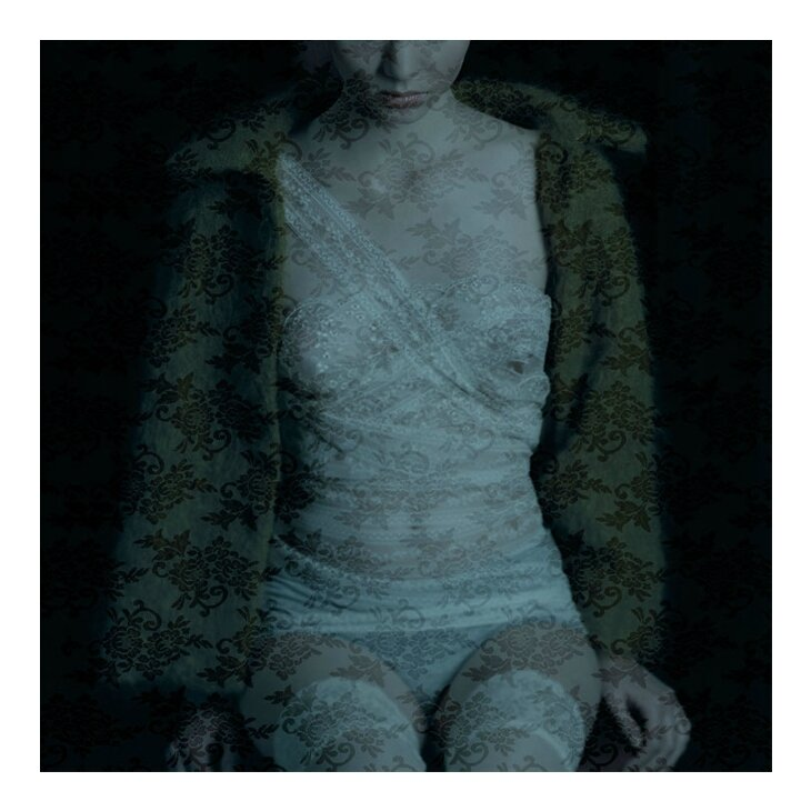 1-Femme-Dentelles-20081