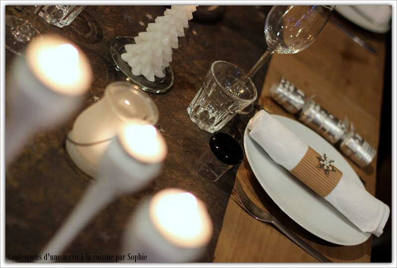 Table Noel, noir, blanche et bois 005