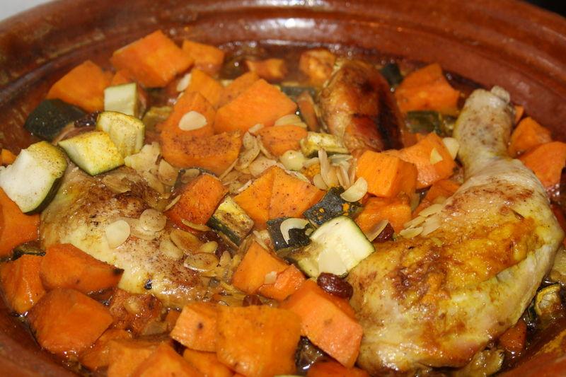 Tajine de poulet aux patates douces mapom en cuisine - Recette poulet patate douce ...