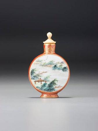 A__famille_rose__enamelled_porcelain_moonflask__landscape__snuff_bottle1