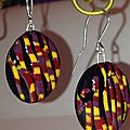 BO rayures colorées sur fond noire, colored stripes on black small earrings