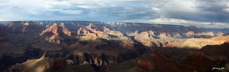 grand canyon arc en ciel panoramic