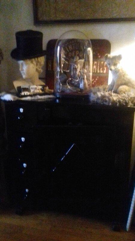 meuble noir et neige 335