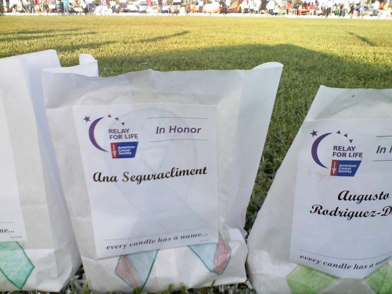 luminarias_cancer_relay_014