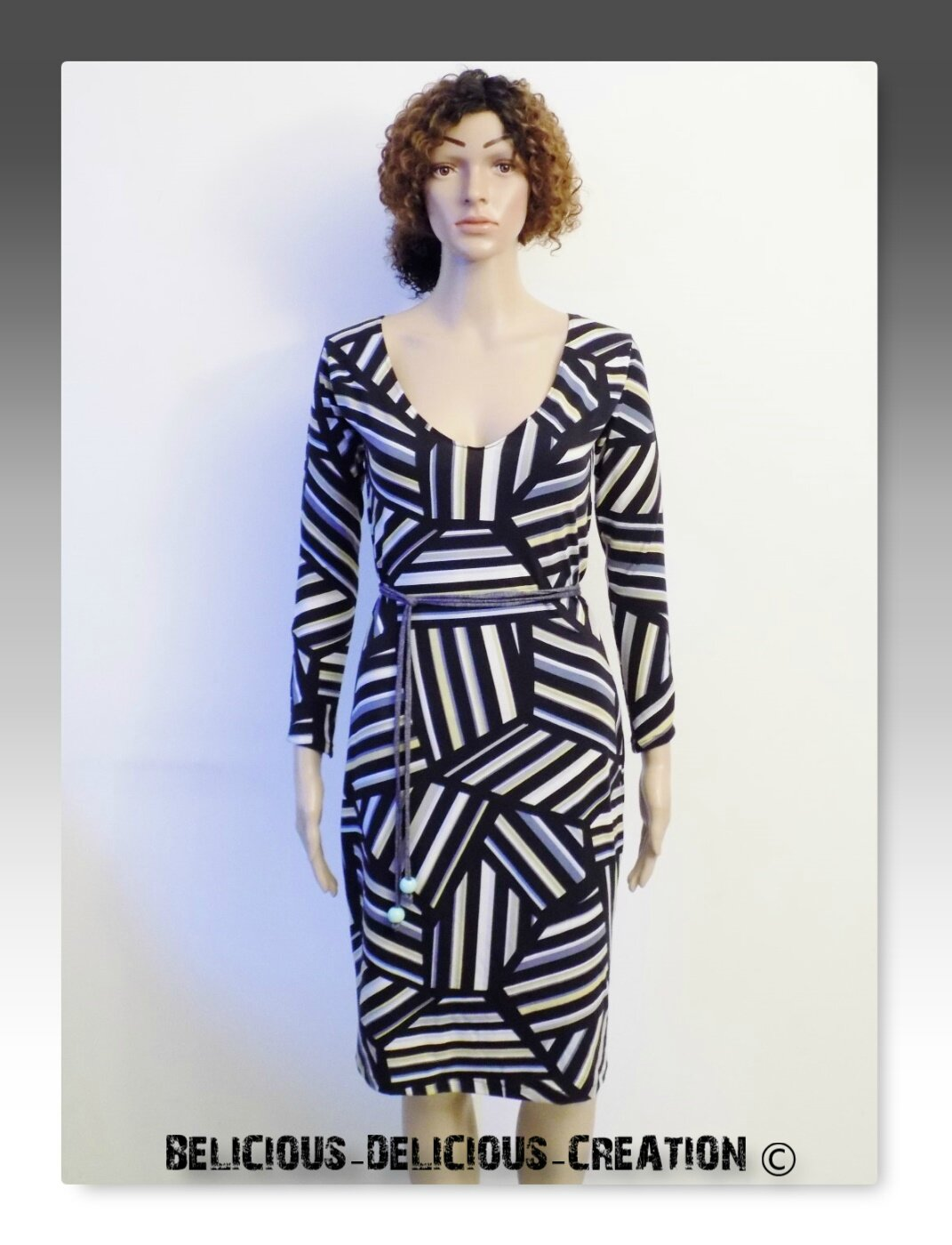 Originale robe !! MURIEL !! en Jersey imprime noir/multicolore, Long 102cm Taille: 38/40 BELICIOUS-DELICIOUS-CREATION