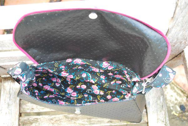 sac noir et roses 002