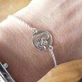 Bracelet médaille de Vierge à l'Enfant sur chaîne en argent massif fine