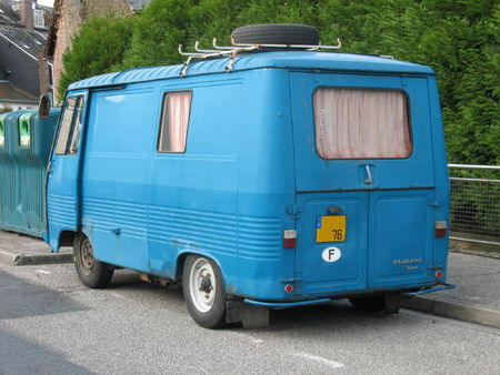 PeugeotJ7ar