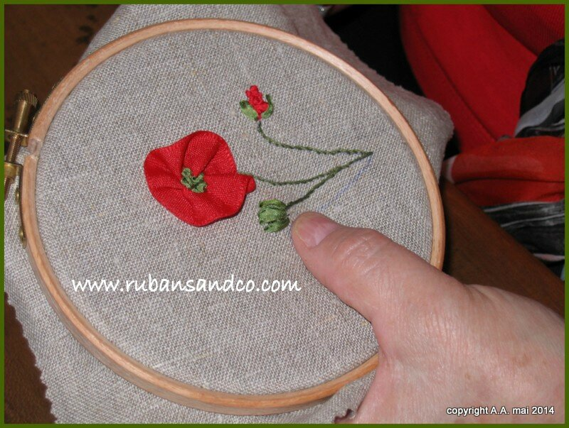 initiation coquelicot broderie au ruban