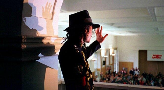 Michael Jackson à Varsovie (Pologne): 2ème partie: mai 1997