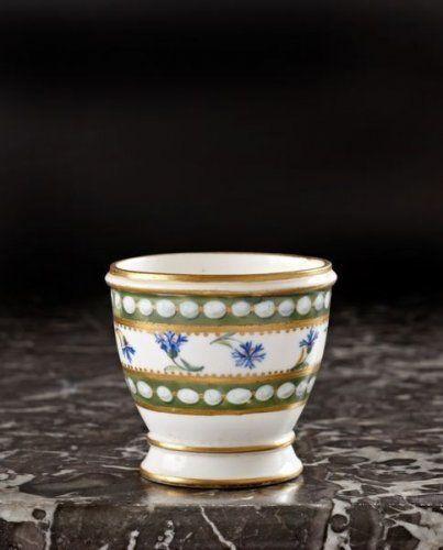 S 232 Vres Coquetier En Porcelaine Tendre Provenant Du