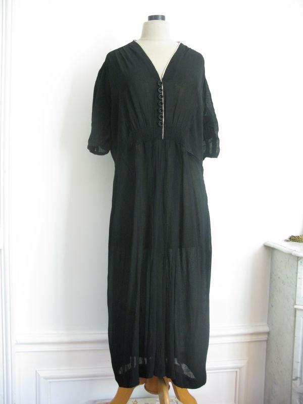 1143 el gante robe longue en cr pe noir ann es 30 taille 40 42 les jolies robes. Black Bedroom Furniture Sets. Home Design Ideas