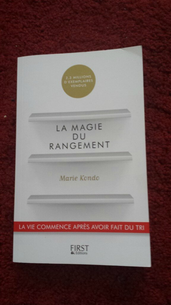lire utile la magie du rangement de marie kondo plume parisienne. Black Bedroom Furniture Sets. Home Design Ideas