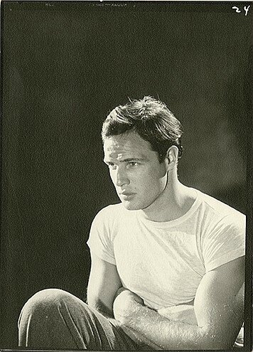 lot104-marlon_brando-by_john_engstead-4