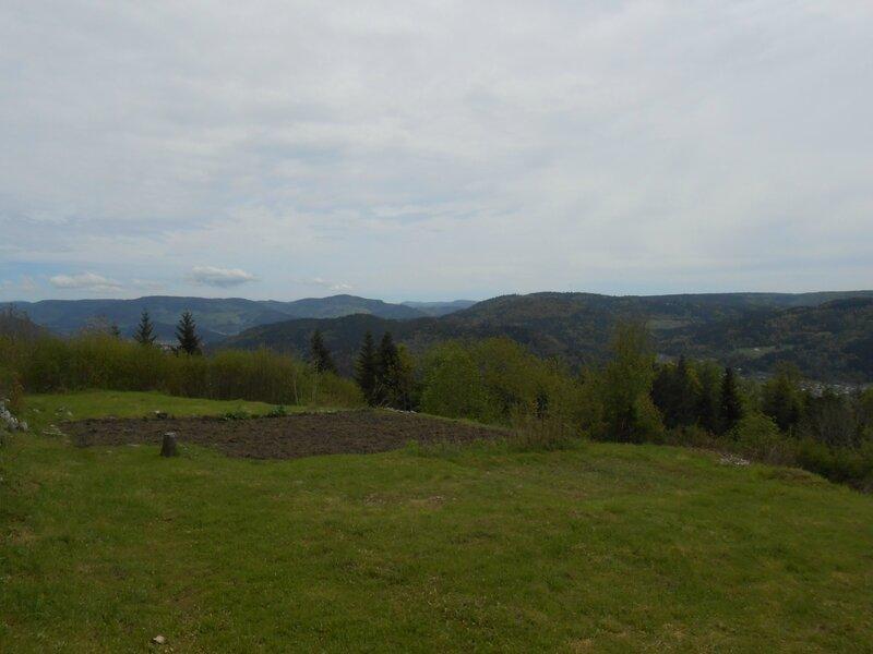 Le Saint Mont, vue depuis le sommet