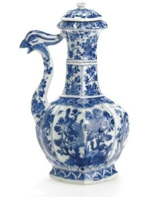 A blue and white phoenix ewer and cover, Kangxi period (1662-1722)