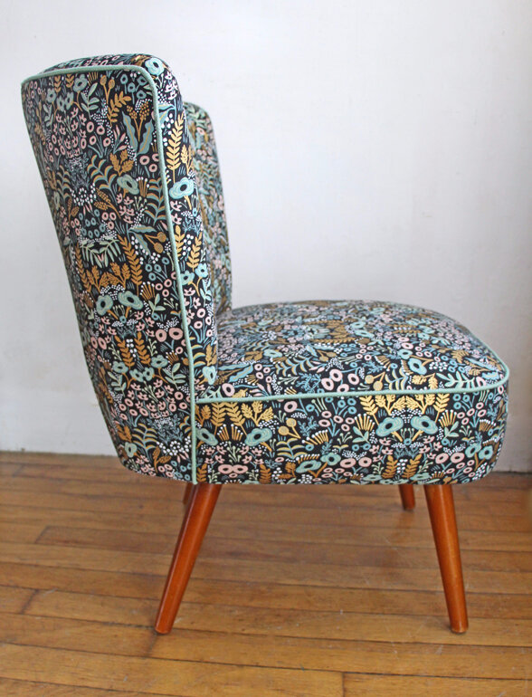fauteuil-cocktail-vintage-tapestry-cote-gauche