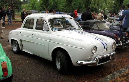 Renault_dauphine_gordini__Retrorencard_mai_2010__01