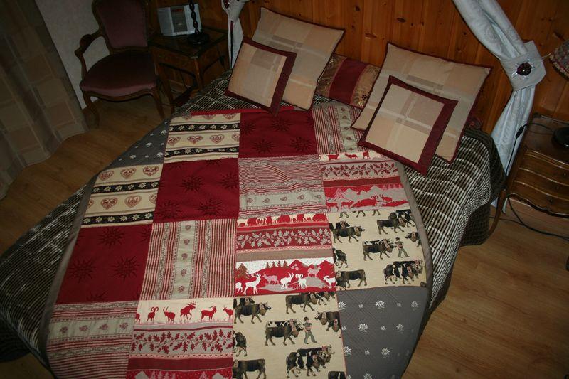 un patchwork de tissus de montagne couture au fil d 39 eau d 39 ile. Black Bedroom Furniture Sets. Home Design Ideas