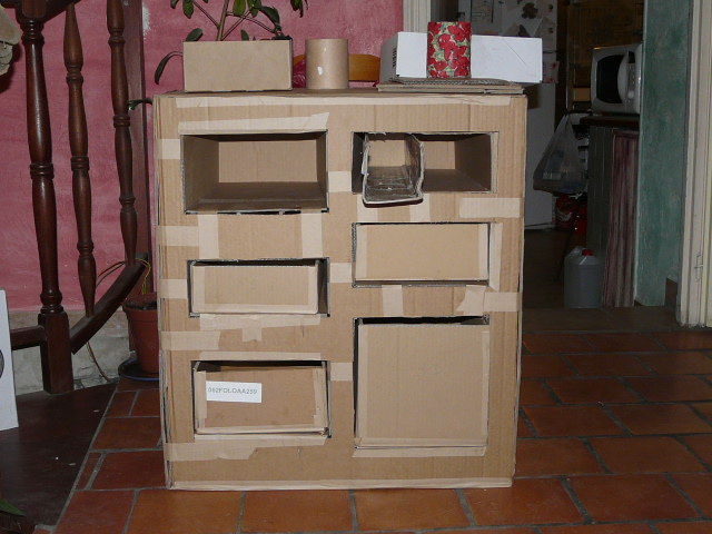 meuble en carton bienvenue chez la gu pe grise. Black Bedroom Furniture Sets. Home Design Ideas