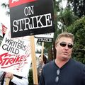 WGAStrikePicketLine20