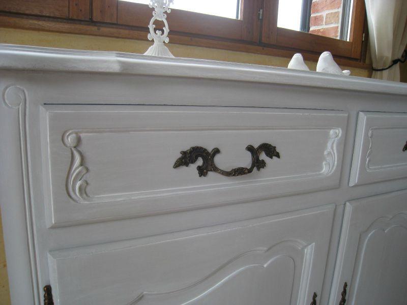 Un nouveau meuble t l chic et raffin patines couleurs for Patiner un meuble vernis