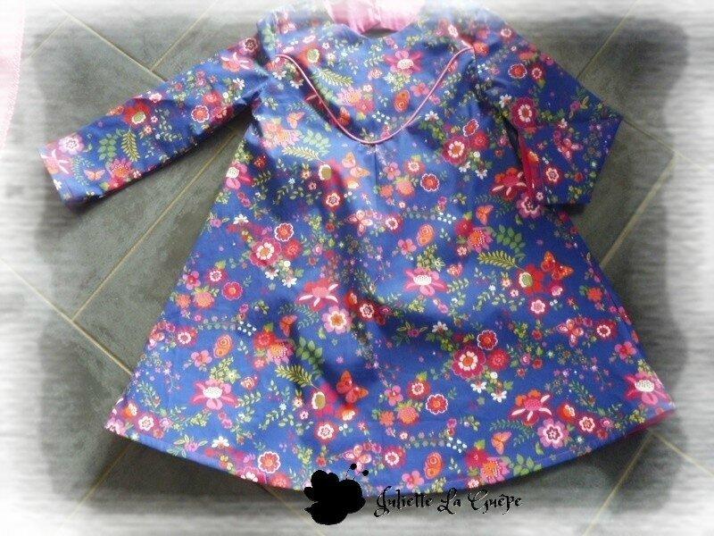 Paisible bleu à fleurs