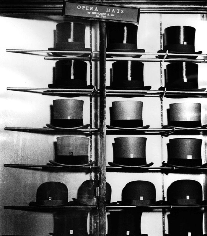 opera_hats