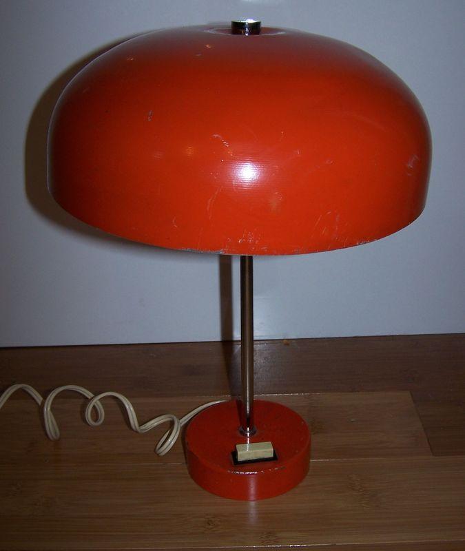 lampe champignon ann es 70 orange un caillou dans la godasse. Black Bedroom Furniture Sets. Home Design Ideas