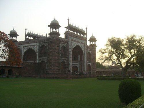 Dans l'enceinte du Taj Mahal