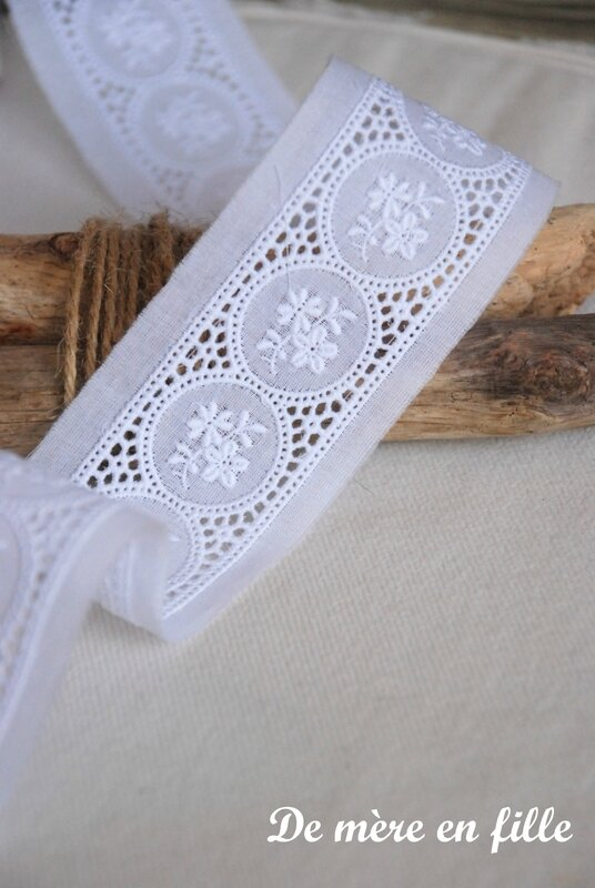 broderie anglaise entre deux