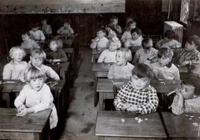 KERTESZ_ANDRE_JABOUNE_JEAN_NOHAIN_ENFANTS_1933_plon_ecole_school_children