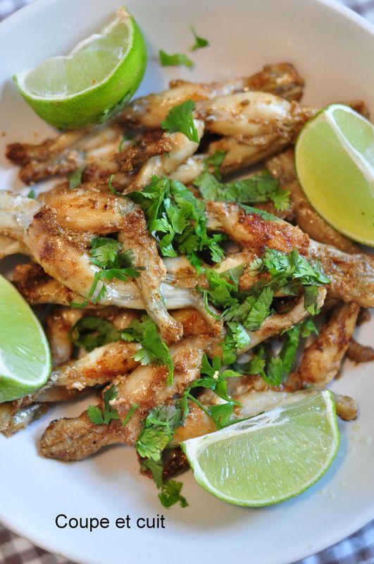 Cuisses de grenouille aux pices coupe et cuit - Comment cuisiner des cuisses de grenouilles surgelees ...