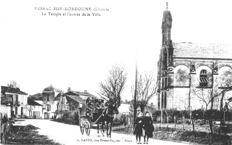 Temple & entrèe de village 1910