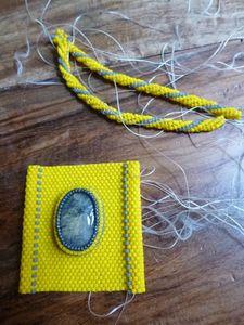 jaune_gris