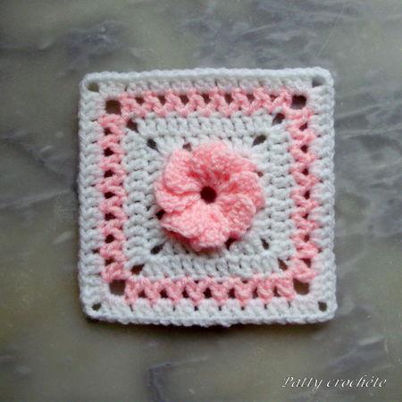 Carr__bicolore_avec_fleur