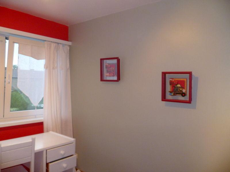 Arthur souhaitait une chambre rouge et grise! - Natcreatis