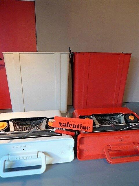 quand une valentine rouge en rencontre une blanche la machine crire valentine olivetti d. Black Bedroom Furniture Sets. Home Design Ideas