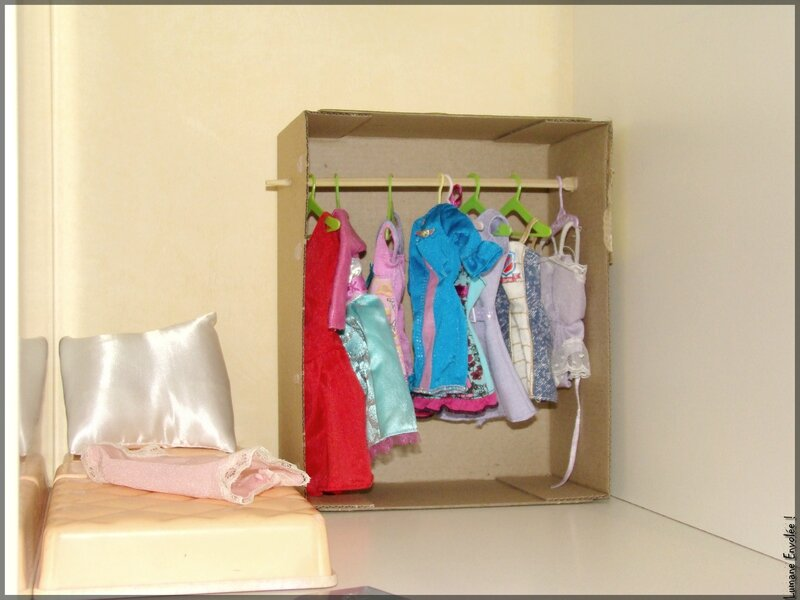 armoire Barbie 1
