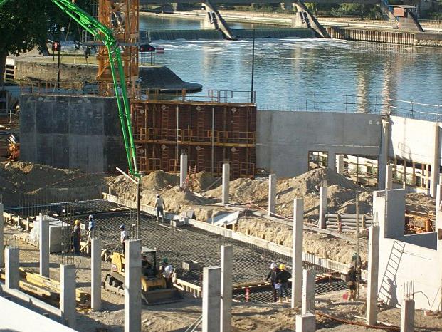 Des nouvelles du chantier de la piscine d 39 alfortville 3 for Piscine alfortville
