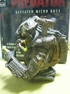 Predator_Defeated_micro_bust3