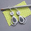 Boucles d'oreilles chat dodu gris clair/gris foncé 14€