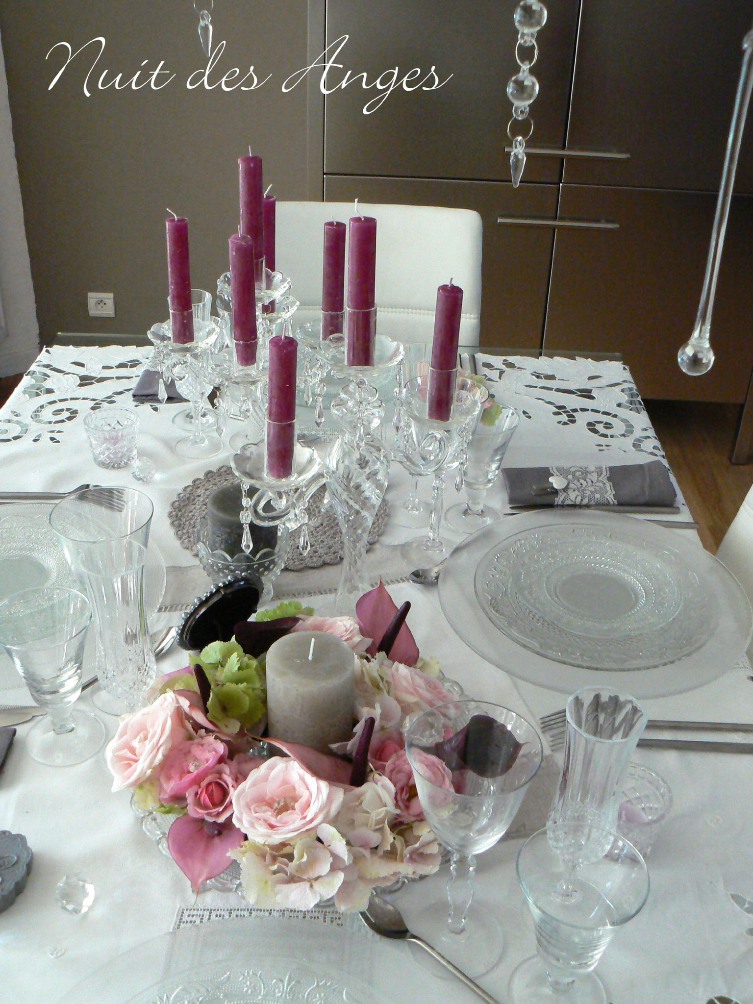 Deco romantique table for Decoration de chambre de nuit