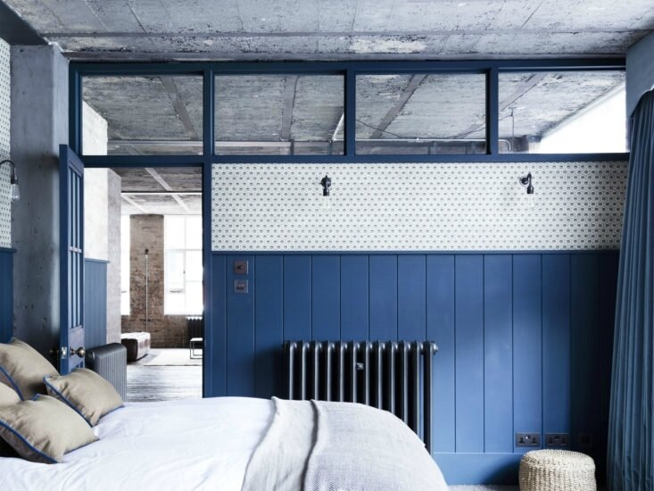 Mark-Lewis-Interior-Design-Hoxton-Square-loft-blue-and-white-bedroom-tongue-and-groove-paneling-fan-lights-Rory-Gardener-photo-13-733x550