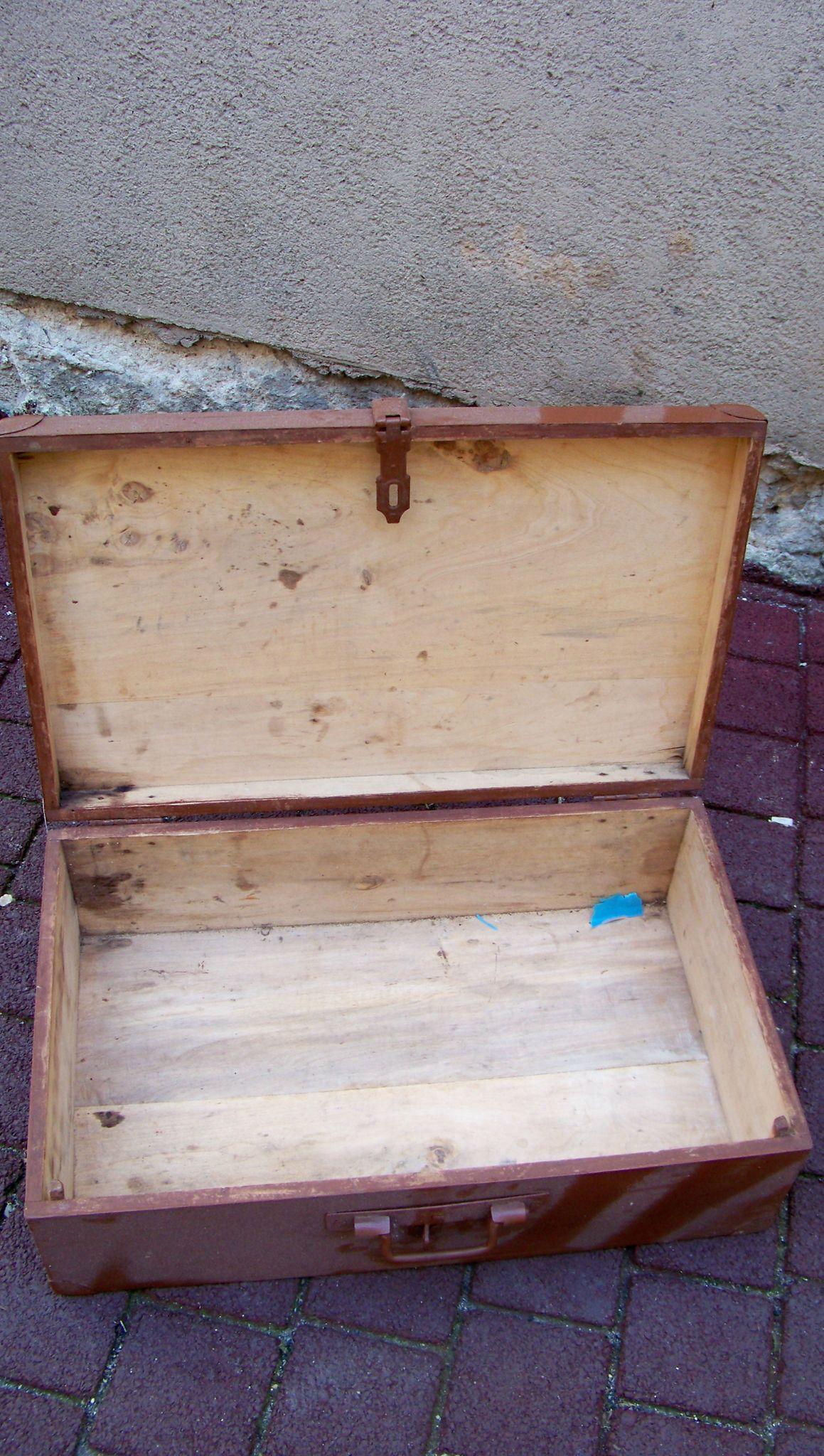 valise en bois la petite brocanteuse. Black Bedroom Furniture Sets. Home Design Ideas