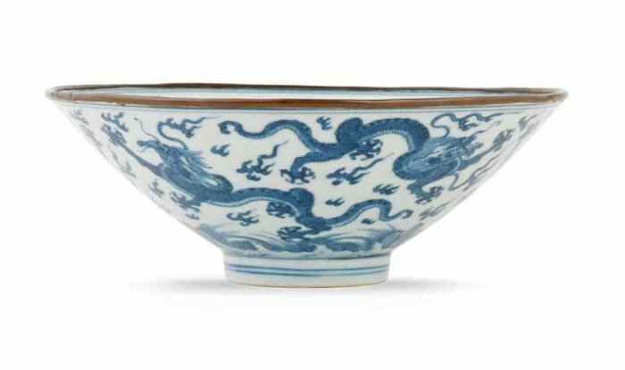 A rare Ming-style blue and white 'six dragons' bowl, Xuande six-character mark, early 18th century