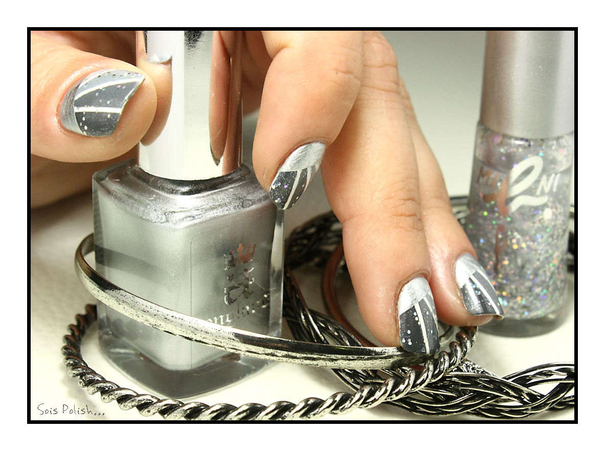 The Sunday Nail Battle #30 - Fifty Shades of Grey