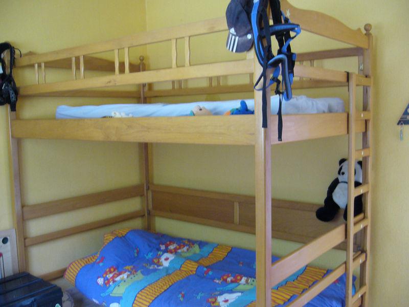 Un lit mezzanine et son petit a vendre for Petit lit mezzanine