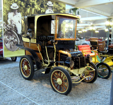 Panhard___Levassor_landaulet_type_A1_de_1898__Cit__de_l_Automobile_Collection_Schlumpf___Mulhouse__01