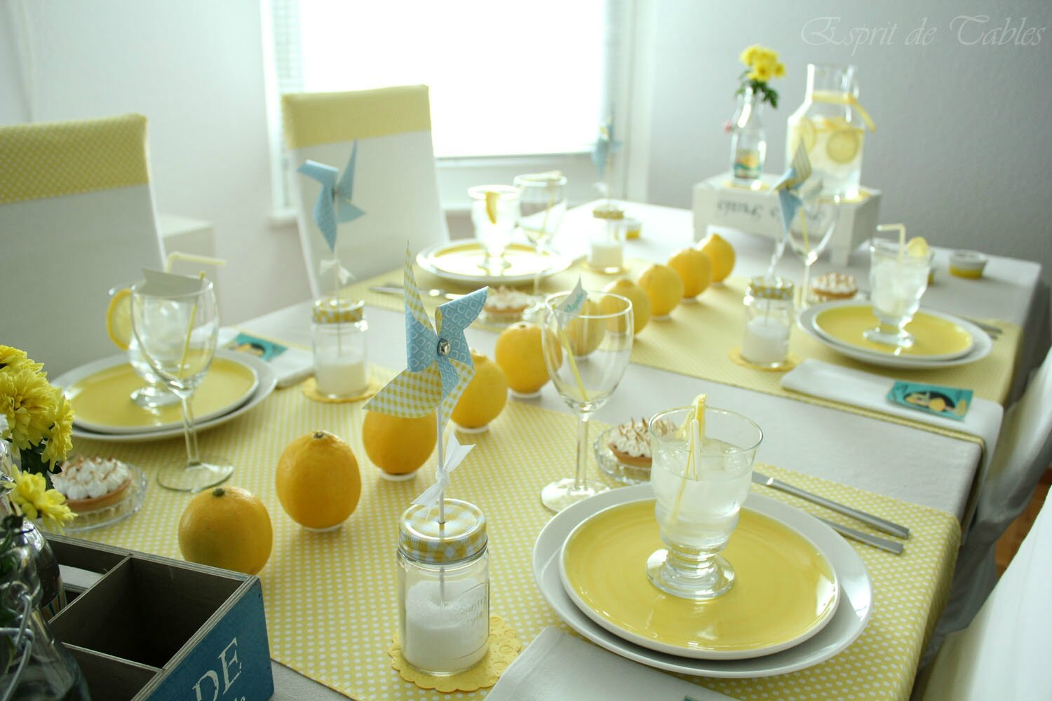 Table Vintage Lemonade